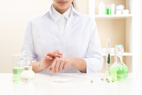 избор на натурлни съставки при измиващ гел за лице ренора